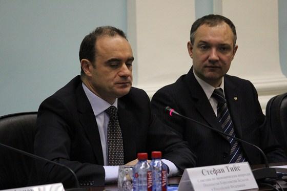 Секретарь посольства Королевства Бельгия Стефан Тейс был единственным зарубежным официальным лицом на переговорах в Челябинске